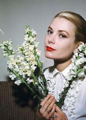 make-up grace kelly actress red lipstick shirt white shirt flowers retro