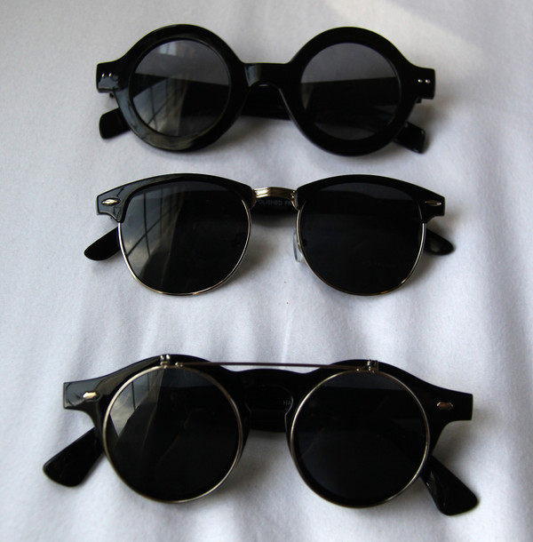 sunglasses black shades round glasses vintage retro celebrity rayban retro sunglasses black sunglasses tumblr tumblr fashion iwanthem fancy sun glasses black borders wonderful must wheretogetit??? brands brown black sunglasses fashion assessories round round sunglasses modern grunge black clothes aesthetic