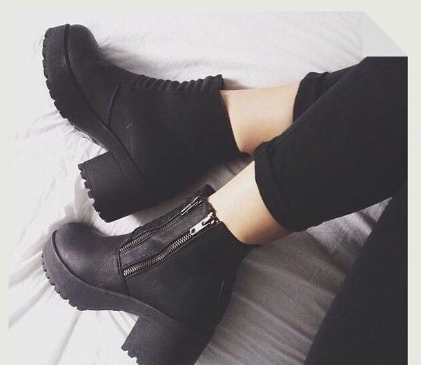platform shoes chunky boots grunge chunky heel zip ankle boots black boots shoes vagabond leather heels black shoes black black boots zip chunky heels chunky shoes leather little heels france tumblr outfit black booties mid heel boots