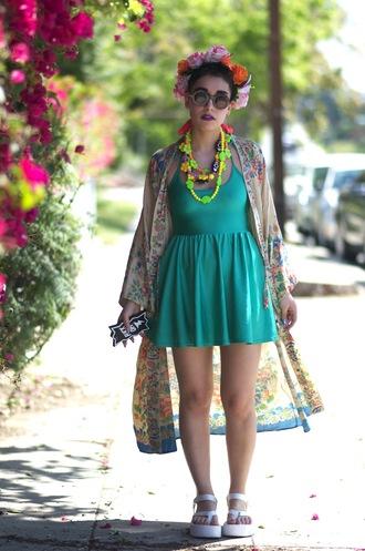 let's get flashy blogger round sunglasses summer dress