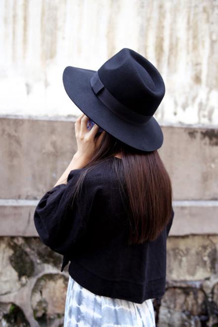 Black hat / back order – holypink