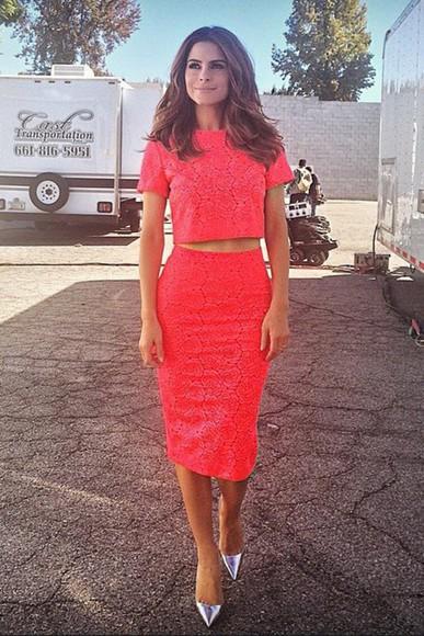 coral skirt top red dress maria menounos pencil skirt crop tops