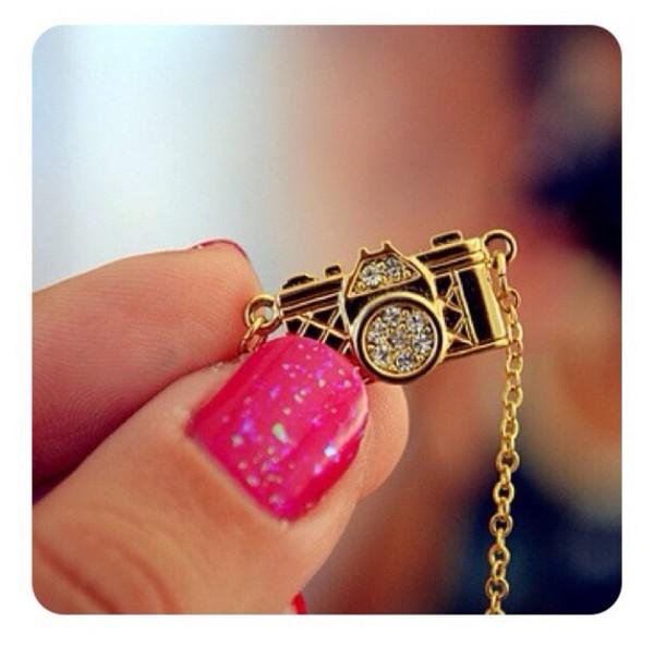 jewels camera necklace