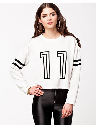 Sporty Sweater - Estradeur - Blanc - Pulls - Vêtements - Femme - Nelly.com La Mode En Ligne Sur Internet