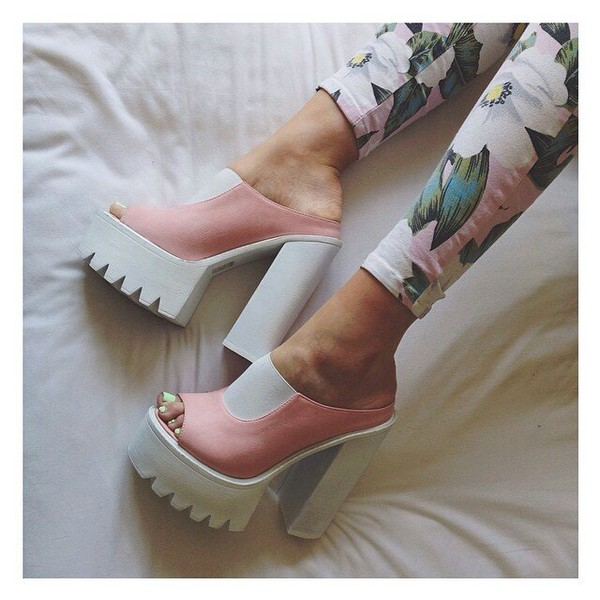 shoes chunky heels white pink
