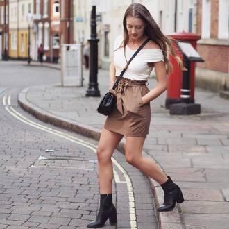 skirt tumblr mini skirt brown brown skirt top white top off the shoulder off the shoulder top boots ankle boots bag crossbody bag