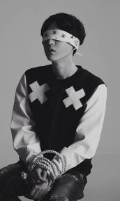sweater,tumblr,tumblr boy,ulzzang,ulzzang boy,korean fashion,korean style,kpop,kstyle,swag,handsome,white,black,handsome boy