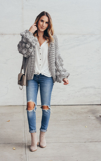 twenties girl style blogger cardigan top shoes bag jewels grey cardigan knitted cardigan pom sleeve cardigan ankle boots spring outfits