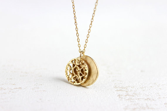 Gold Disc Necklace  simple everyday 14k gold filled door petitor