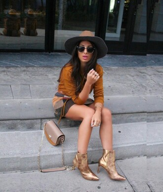 style by nelli blogger gold shoes metallic shoes fall colors fall outfits