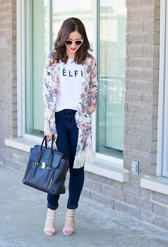 adventures in fashion blogger t-shirt jeans shoes bag sunglasses jewels