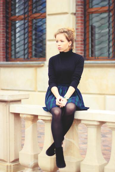 blogger tartan mary-kate fashion turtleneck
