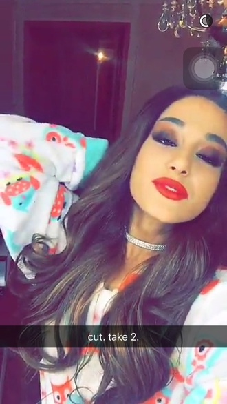 jewels choker necklace ariana grande silver glitter red lipstick