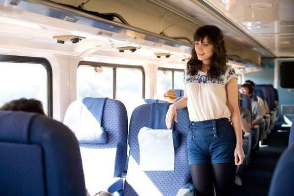 zooey deschanel shorts blouse 500 days of summer high waisted shorts