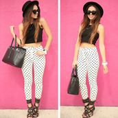 jeans,polka,pattern,cropped,cute,black and white,black,white,polka dots,classy,chic,miley cyrus,shirt,shoes,polka dots capri pants