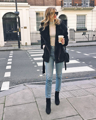 jacket tumblr black jacket shearling jacket black shearling jacket denim jeans blue jeans top sunglasses boots black boots ankle boots