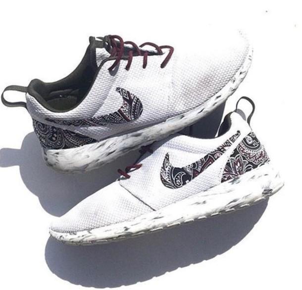 shoes roshes nike white black custom wheretoget