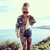 coat,camo jacket,jacket,shirt,hipster,army green jacket,clothes,girl,green shirt,hippie,tights,sunglasses,armyprintjacket armyprint,white blouse,High waisted shorts,black panty hose,black tights,blouse,shorts,jeans,underwear,camouflage,style,green jacket,studded,stud,studs,gold,silver
