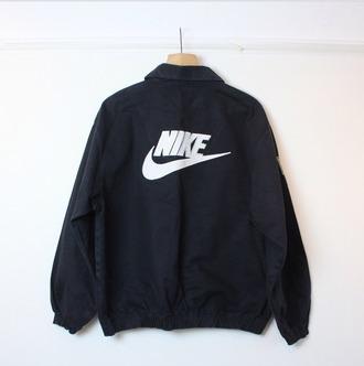 jacket nike vintage pullover hoodie nike tick coat black nike jacket vintage jacket black jacket black and white white blanc noir blaser sportswear sporty fashion