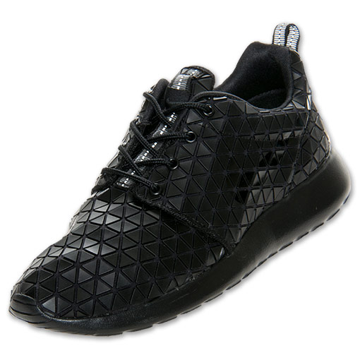 Women's Nike Roshe Run Metric QS Casual Shoes | FinishLine.com | Black/Metallic Silver