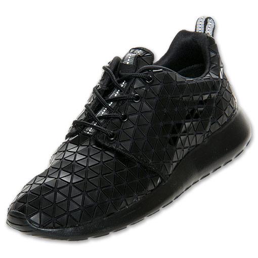 Women's Nike Roshe Run Metric QS Casual Shoes| FinishLine.com | Black/Metallic Silver