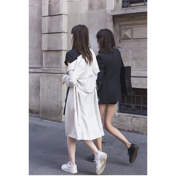 coat creme jacket blazer classy sequins glitter creme jacket fashion feminine tumblr trench coat white coat duster coat sneakers low top sneakers white sneakers black shoes shoes black blazer blazer bag black bag t-shirt black t-shirt