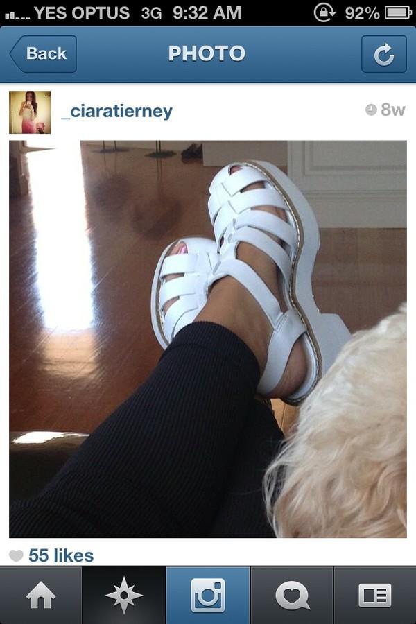 shoes chunky herls heels sandals white