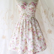 dress,flowered,colorful,cute,hippie,hipster,girly,short,white,white lace dress,girl,teenagers,fashion,country look,old looking,floral,ivory,casual,flowers,roses,perfect,clair,sleeveless dress with flowers.,floral dress,vintage,strapless