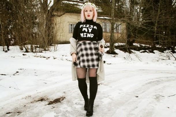 thelma malna blogger black t-shirt graphic tee plaid skirt shirt skirt cardigan shoes