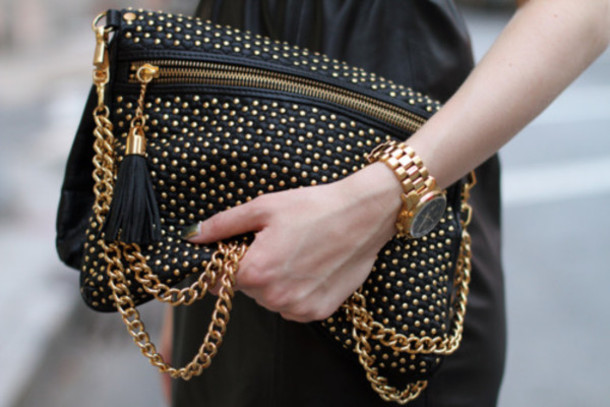 jewels gold gold watch all black and gold wishlist black and gold studded bag chain bag gold chain bag black bag nieten studs black leather chain cute