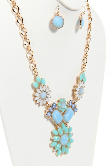 LoveMelrose.com From Harry & Molly | Mint Beaded Floral Necklace - Gold
