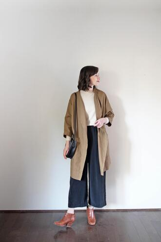 stylebee blogger coat jacket top jewels sweater bag t-shirt shirt pants shoes ankle boots spring outfits
