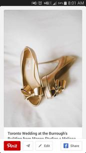 gold high heels,bow high heels,gold,high heels,bows,wedding shoes,metallic shoes