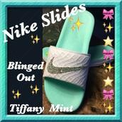 shoes,nike,nike bling bling,crystal,nike shoes,bling,sparkle,nike sparkly shoes,girly,girly wishlist,nike slides,slide shoes