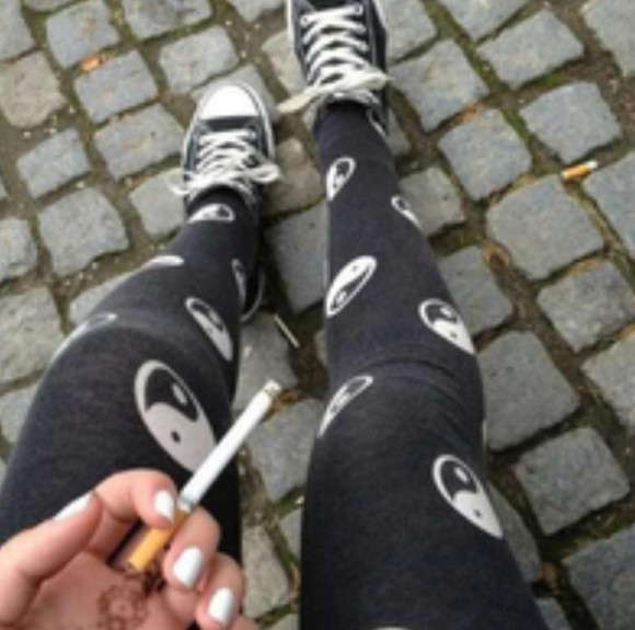 ying yang black pants converse chucks chuck taylor all stars leggings