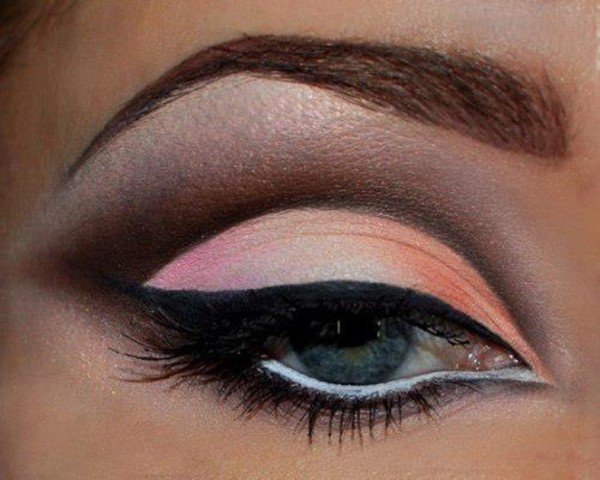 make-up eye shadow eyeliner mascara