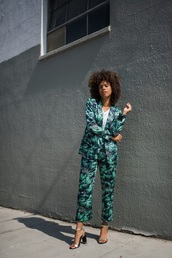 jacket,blazer,printed blazer,pants,printed pants,green,matching set,sandals,shoes