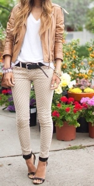 jacket stipped white brown jeans shoes belt pants heels black shoes high heels polka dots bracelets