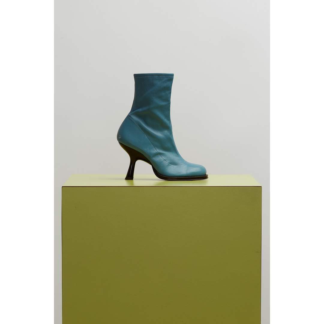 F109 Stretch Tee Heel Boot in Blue Jean
