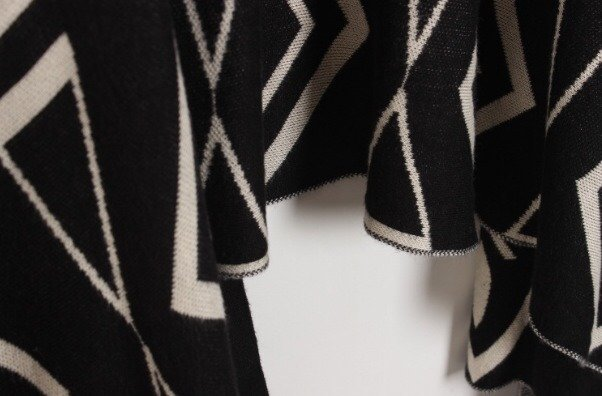 Black Short Sleeve Geometric Pattern Cardigan - Sheinside.com