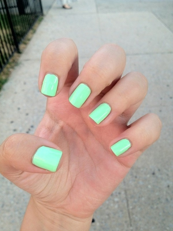 nail polish green summer