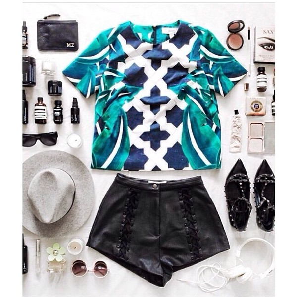 shirt cameo turquoise cameo clothing white navy outfit t-shirt hat pants shorts