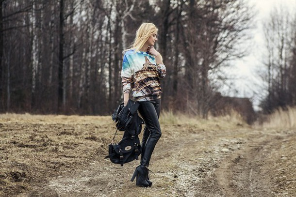 charmeuse blogger printed sweater leather pants mulberry sweater jacket