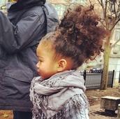 girl,toddler,kids fashion,clothes,curly hair,fall outfits,knitted sweater,grey,TsannaG,scarf,Tsanna G