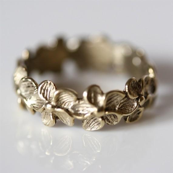 Delicate yellow silver plumeria flower ring par zulasurfing sur etsy