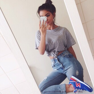 shoes high waisted jeans boyfriend jeans ripped destressed grey shirt new balance 574 new balance jeans