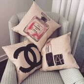 home accessory,chanel,girly,drawings,beautyful,pillow
