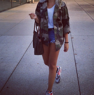jacket fashion girl camouflage camo camo jacket shorts high waisted shorts air max shoes