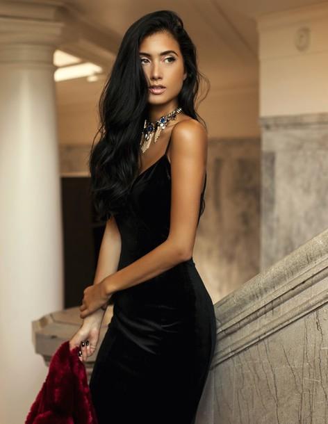 629eb4e31eb racquel natasha blogger dress tumblr velvet velvet dress sexy slit dress  slip dress necklace little black