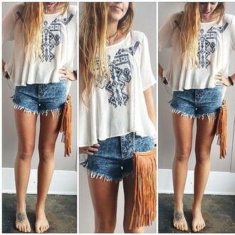 t-shirt hipster hipster top hipster shirt tee aztech fringed bag